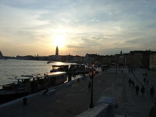 http://pinceedesel.blogspot.fr/2011/11/revoir-venise.html