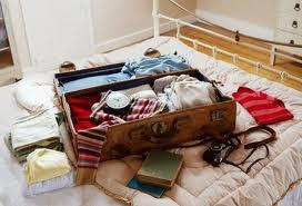 Parodie di canzoni per tutte le occasioni un saluto ad - La valigia sul letto iglesias ...