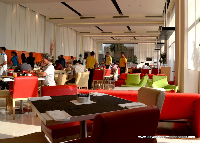 all day dining restaurant at Hotel Ibis Delhi Airport
