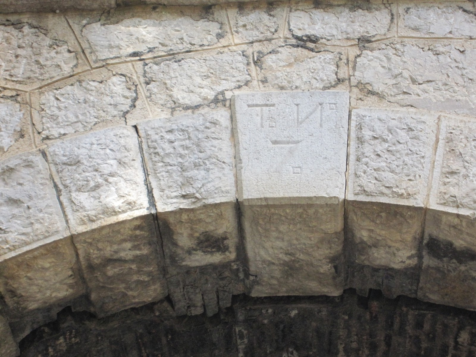 Detall de la numeració dels túnels Racó del Duc