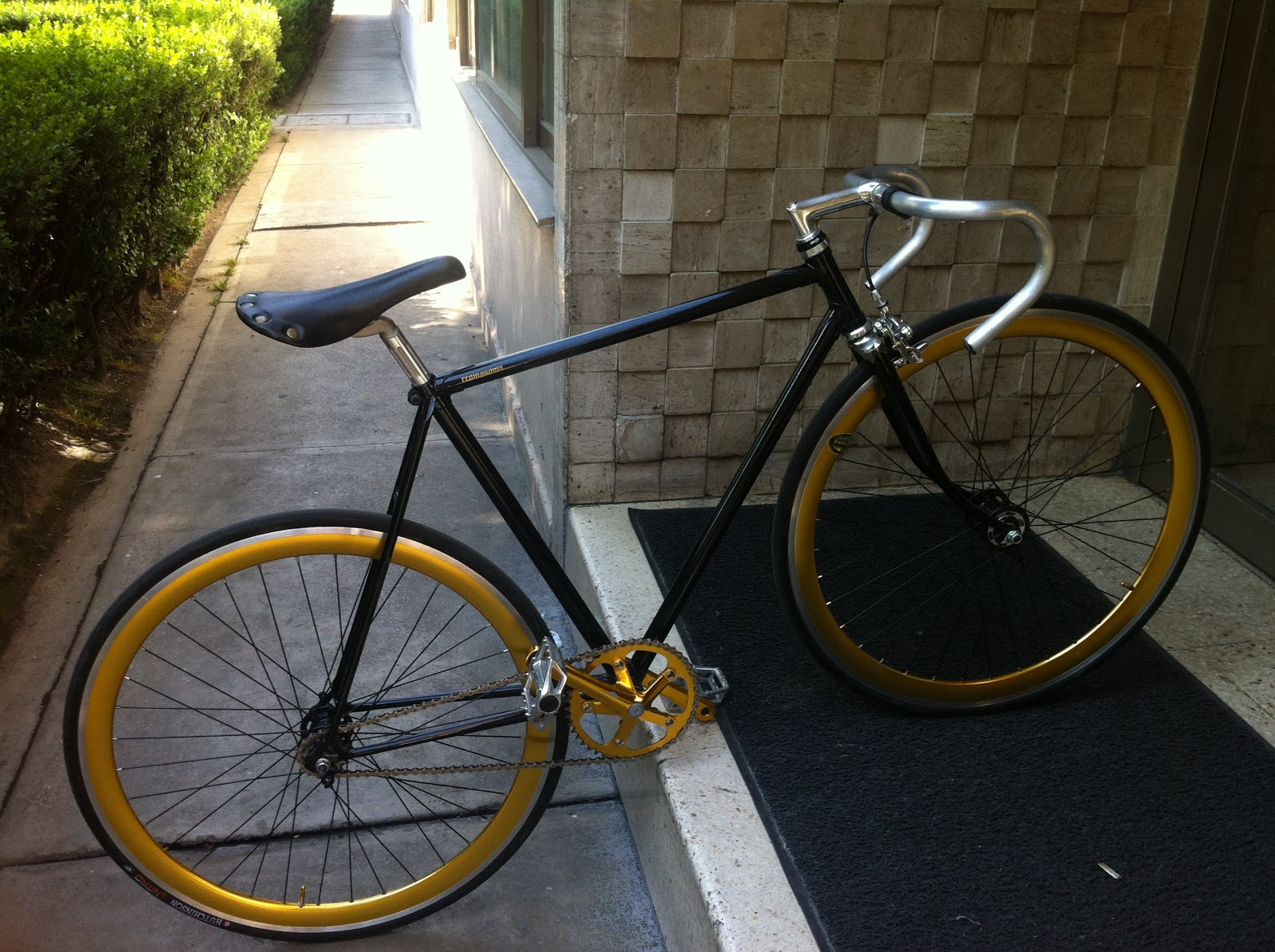 The Fixed Gear World: Black & Gold Fixed gear by ...