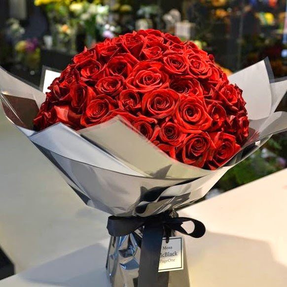 100 stems roses jakarta