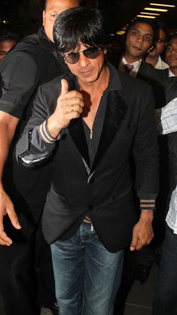 Shahrukh, Ranbir Kapoor & Katrina Kaif arrive from TOIFA and spotted at aiport