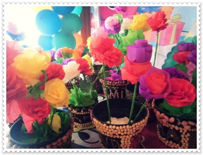Membuat Bunga dari Kertas Krep :)