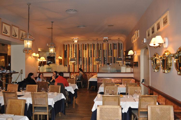 K restaurants wine ristorante al mozzo for Ricciola arredamenti