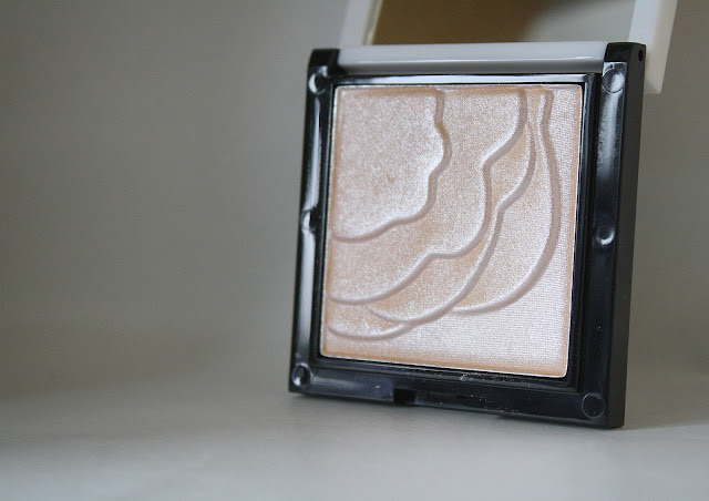 No7-vital-enlightening-highlighting-powder-Lisa-Eldridge-boots-beauty-blog-review-blogger-post