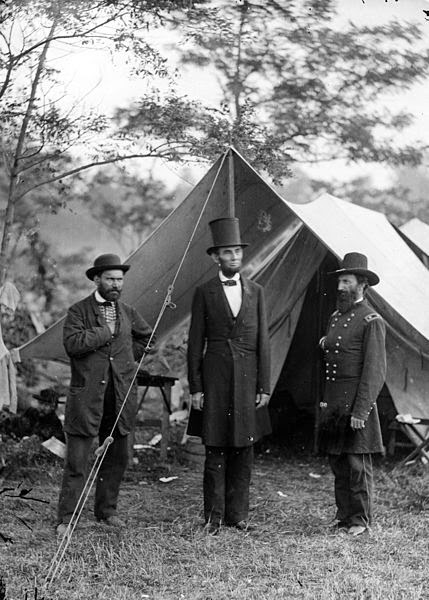 Abraham Lincoln con su sombrero característico