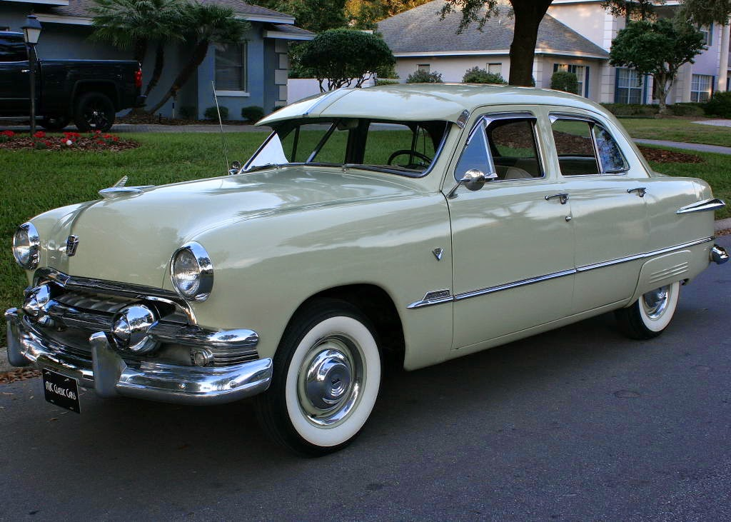 all american classic cars 1951 ford custom deluxe fordor 4 door sedan. Black Bedroom Furniture Sets. Home Design Ideas