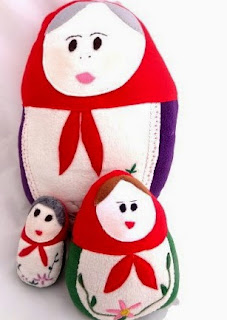 http://translate.googleusercontent.com/translate_c?depth=1&hl=es&rurl=translate.google.es&sl=en&tl=es&u=http://craftbits.com/project/plushie-russian-matryoshka-doll-cushion/&usg=ALkJrhjAXPo_QEmW_gS1oi1Rp40JEq8-Yg