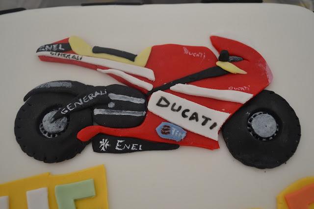 Tarta Moto Ducati  fondant