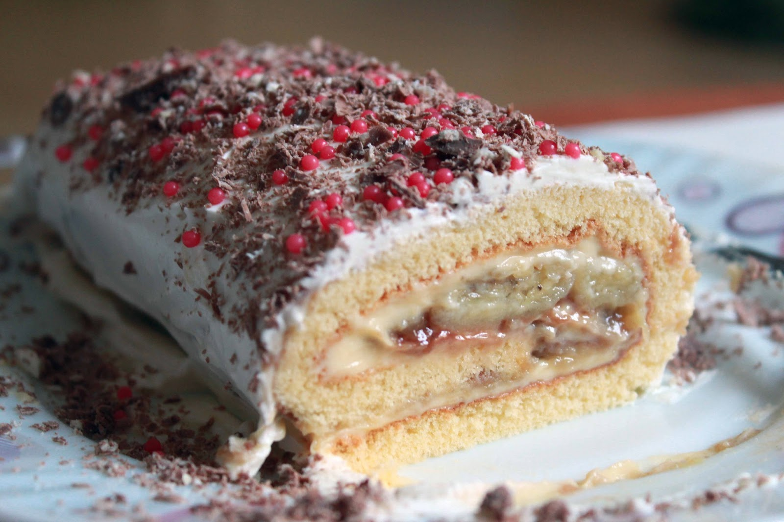 Karamelize muzlu rulo pasta yapımı tarifi