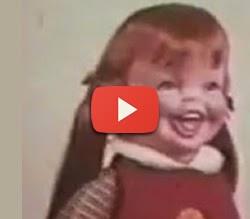 Propaganda assustadora da boneca produzida pela Remco.