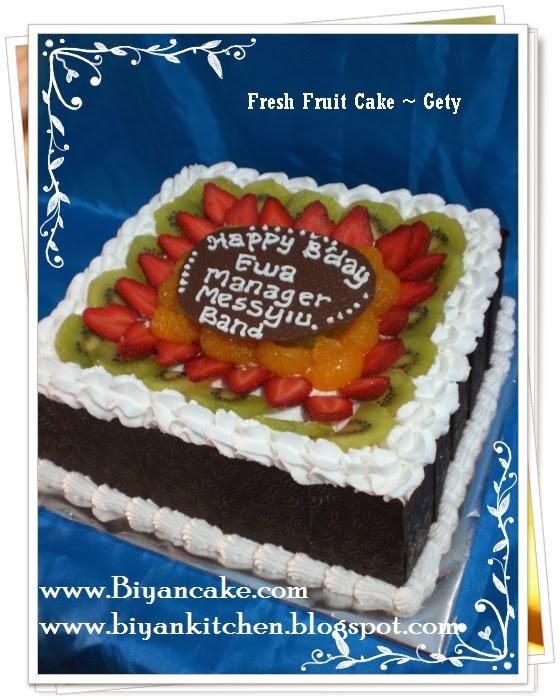 Kue tart hias buah