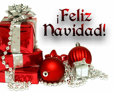 Tarjeta de Feliz Navidad con regalos y adornos navideños