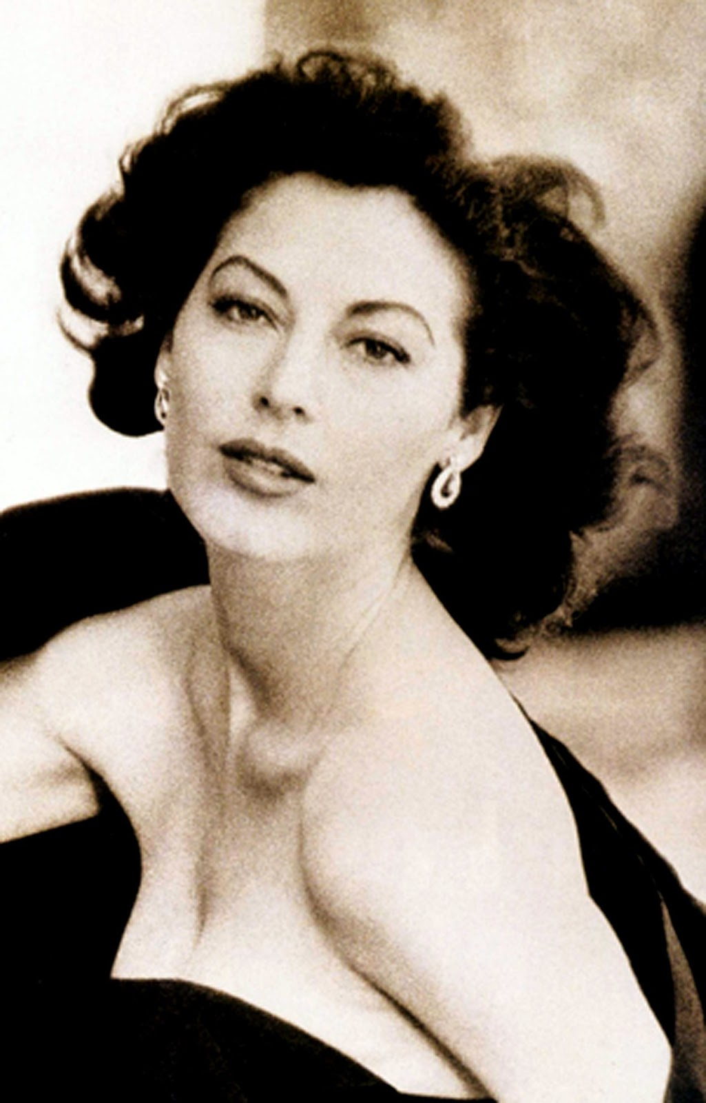 Ava Gardner Photos on 1950 old ads for cars