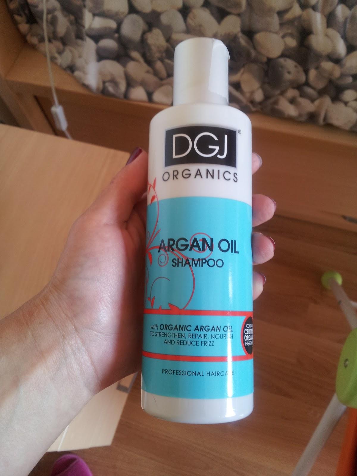 Es necesario poner el aceite de coco para los cabellos