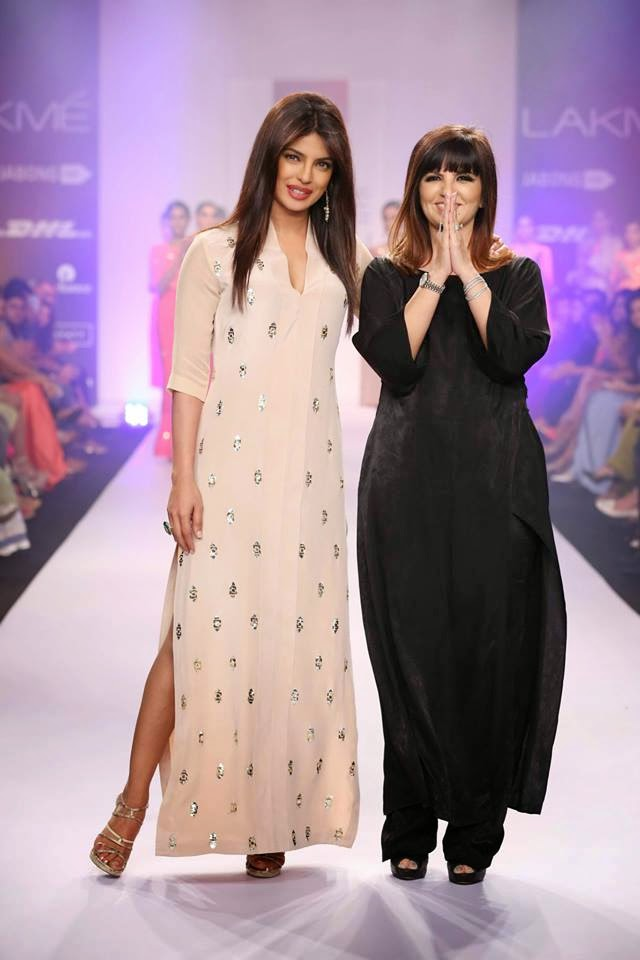 http://1.bp.blogspot.com/-CbcVurvSa_A/UyXPJVGu9ZI/AAAAAAABsfA/W_Hm3FZzv1Q/s1600/Priyanka+Chopra+sizzles+on+the+ramp+for+Reliance+Trends+presents+Neeta+Lulla+at+LFW-2014+(2).jpg