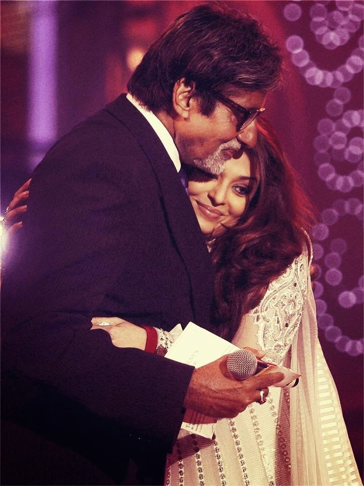 Aishwarya Rai with her father-in-law amitabh bachchan unseen rare hot pics of hot bollywood actresses