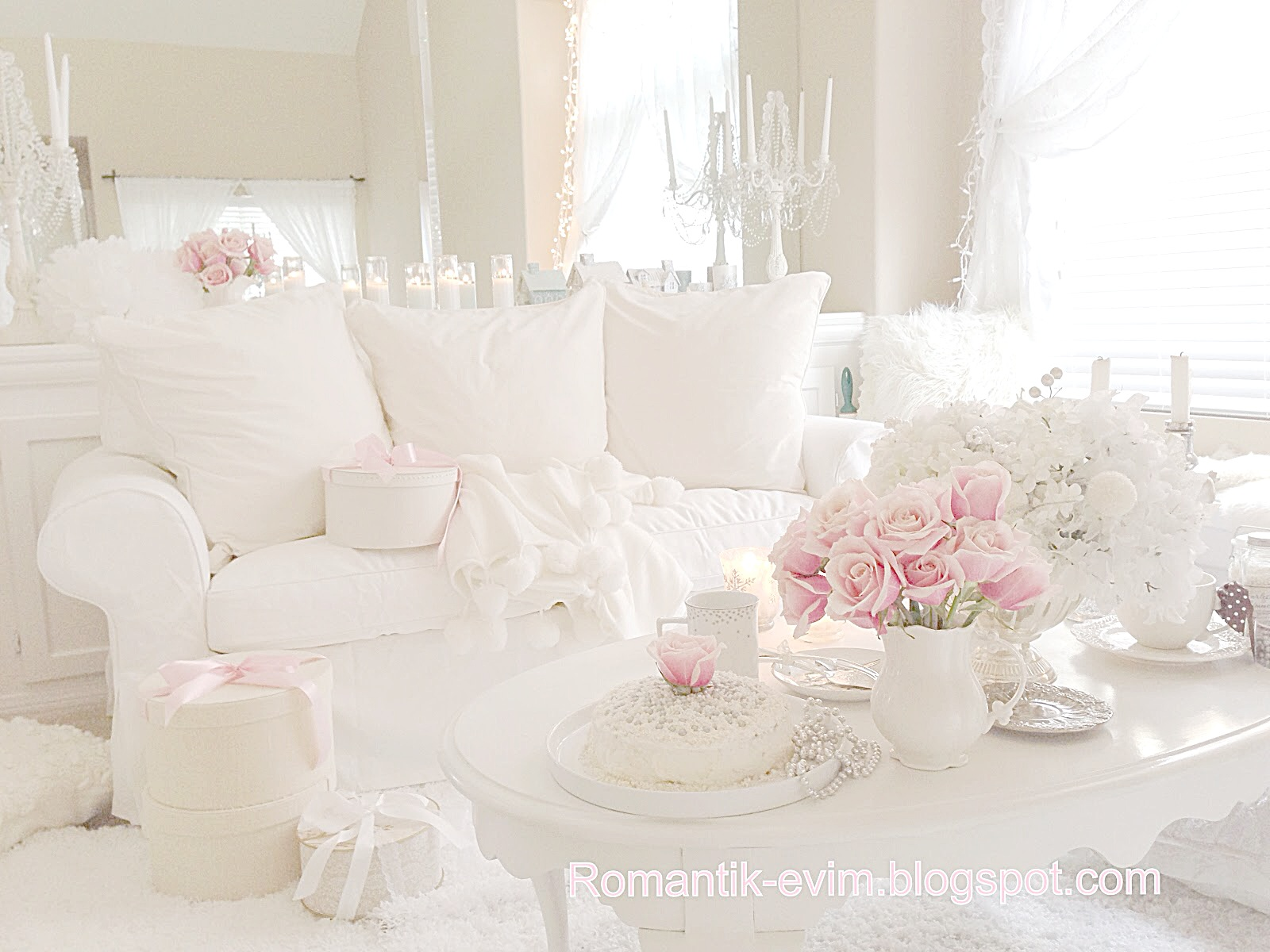 romantic shabby chic romantic and shabby. Black Bedroom Furniture Sets. Home Design Ideas