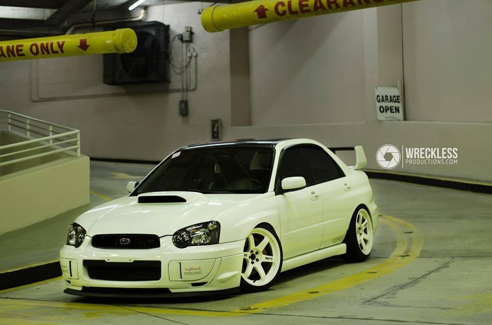 Subaru Impreza WRX GD, sedany z duszą, rasowe sportowe auta, tuning, boxer, AWD, białe felgi
