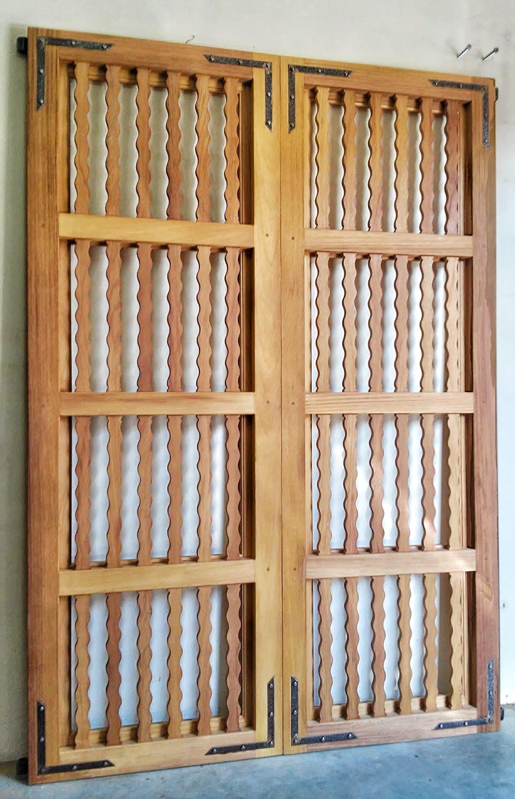 Carpinteria sevilla portada de iroko - Puertas de madera en sevilla ...
