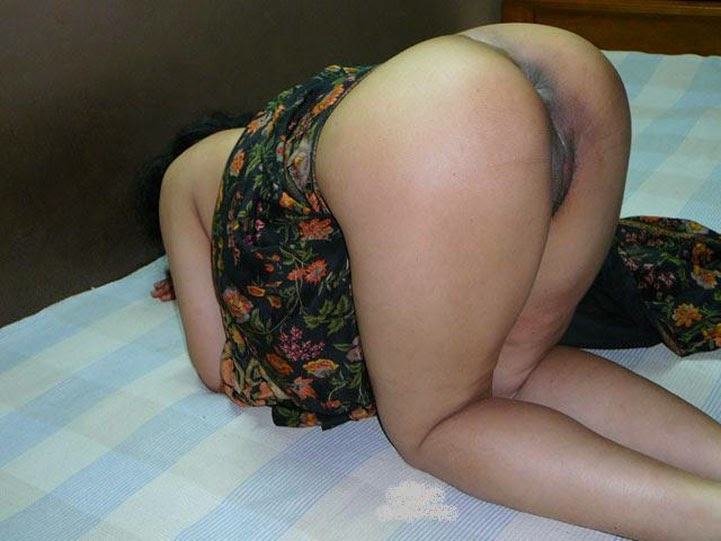 Think, Bhabhi ass in saree