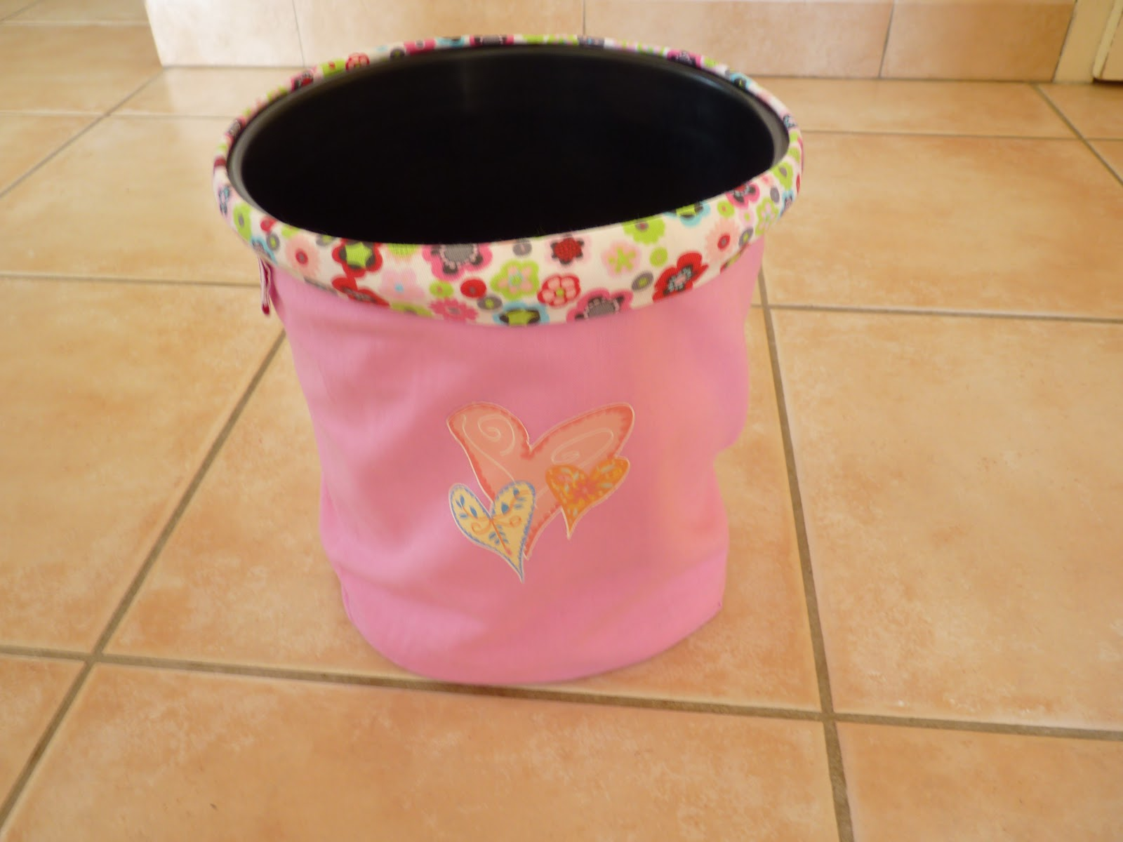 sophie mais 39 amours housse poubelle toilette. Black Bedroom Furniture Sets. Home Design Ideas