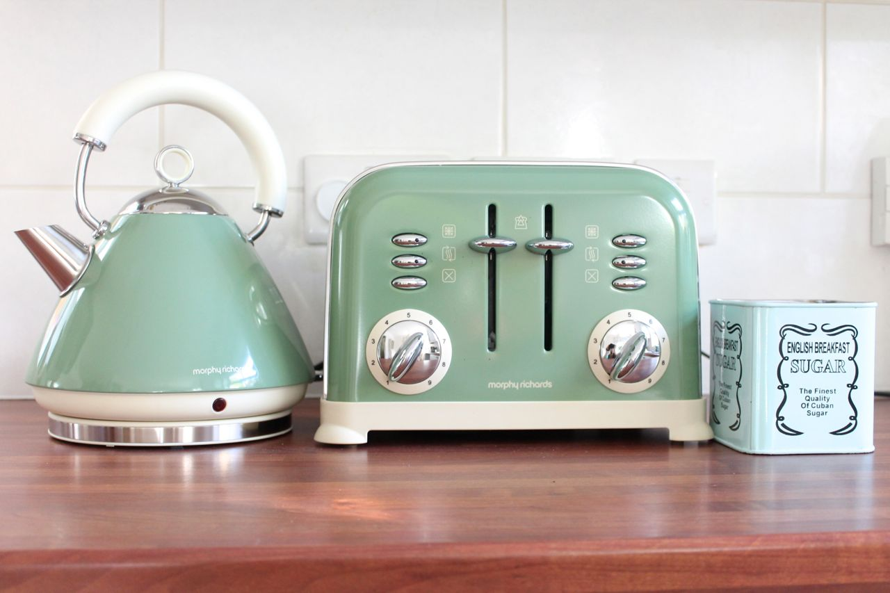 Morphy Richards Kettle And Toaster Set images