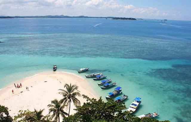 Objek wisata Pulau Lengkuas 2