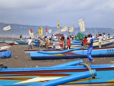 Berwisata Di Pantai Depok Yogyakarta