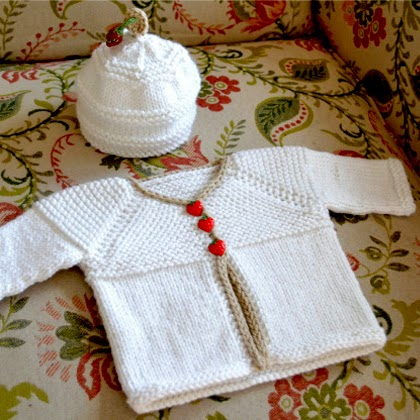 Hello Baby Cardigan – Free Pattern!