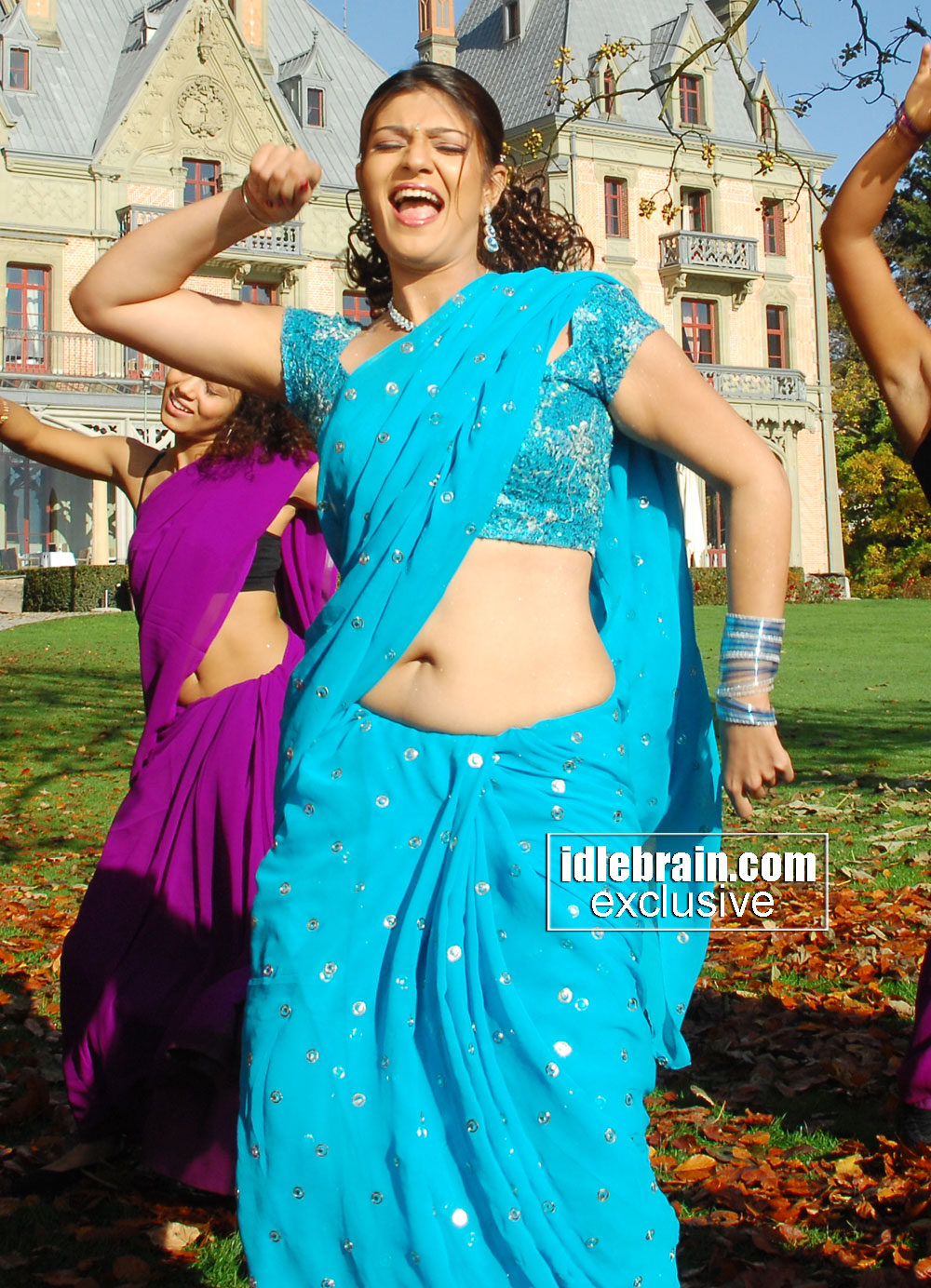 Telugu Actress Siya Latest Hot Deep Navel Show Photos In Saree From Neninthe Movie Stills Mallufun Com