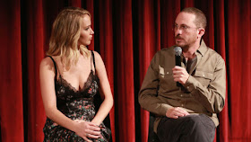 "Jennifer Lawrence says ""mother!"" reviews hurt her relationship with Darren Aronofsky"