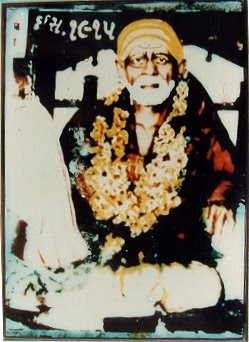 Sai Takes Devotees Under His Wings Like A Swan Takes Her Young - Sai Devotee Anuradha Ji
