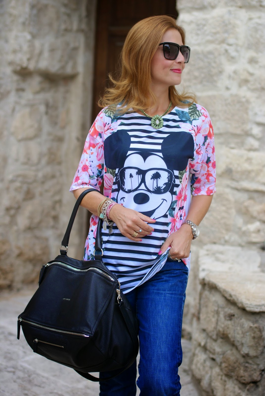 asos mickey mouse t-shirt, vintage levi's 501,  sodini necklace, Givenchy Pandora large, Fashion and Cookies, fashion blogger