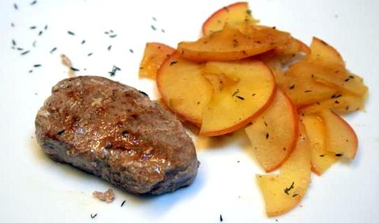 La cocina de marianne solomillo de cerdo con manzanas - Como preparar un solomillo de cerdo al horno ...