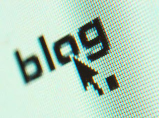 A mouse pointing to the word 'blog' TITLE=