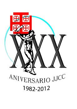 Logotipo conmemorativo del XXX aniversario del grupo joven