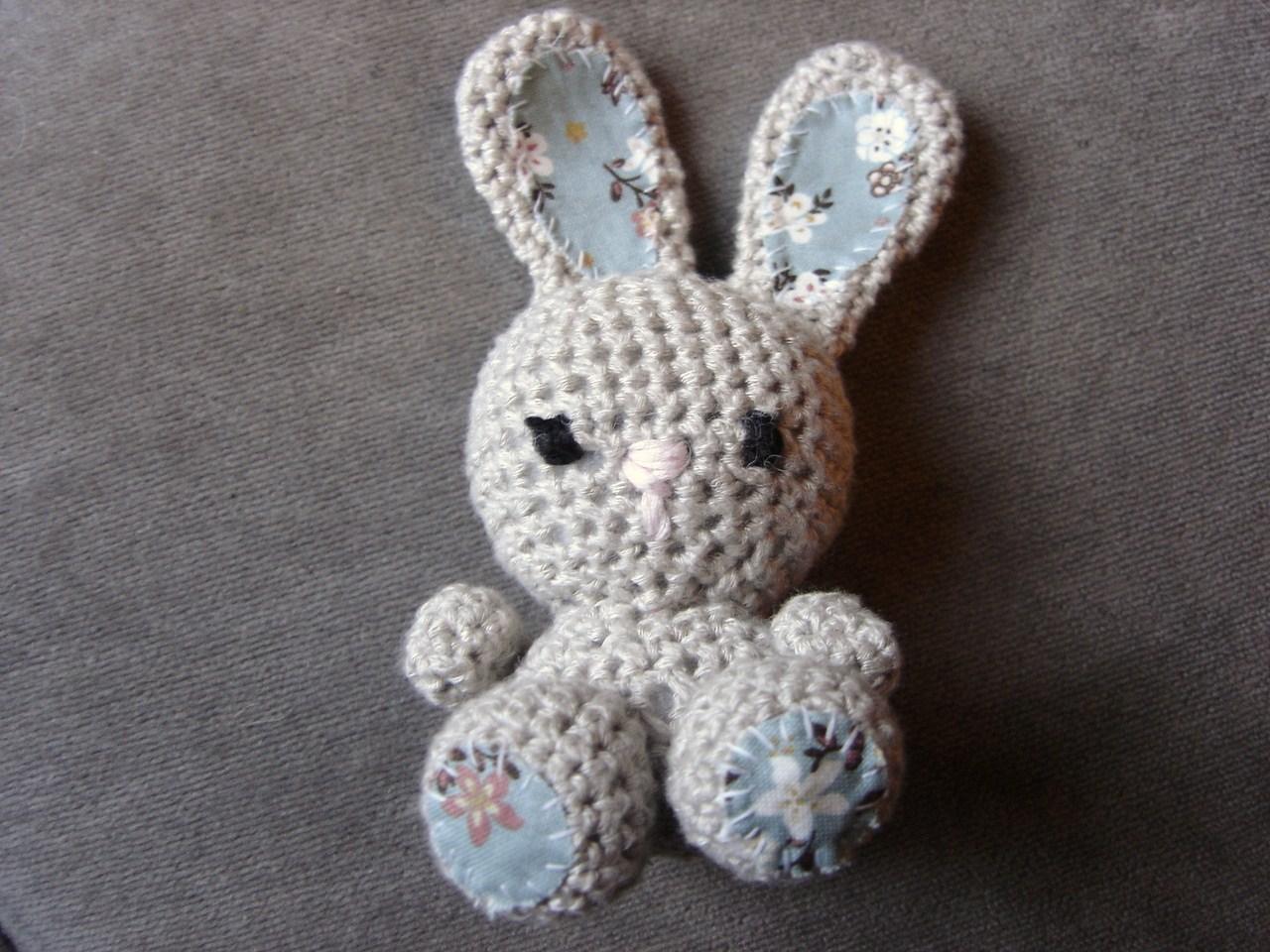 little black teapot: Little Crochet Delights
