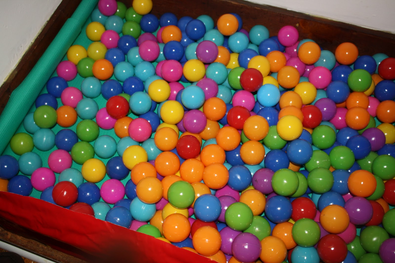 Little Red Lily How To Ball Pit