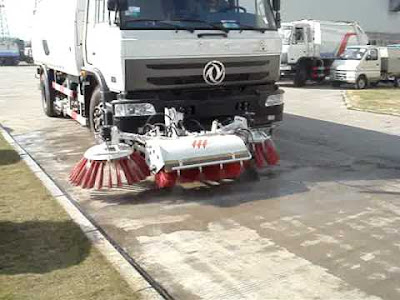 road sweeping vehicle