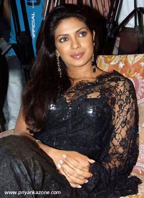 Priyanka Chopra in black saree, Priyanka Chopra hot in black saree, bollywood actress in saree