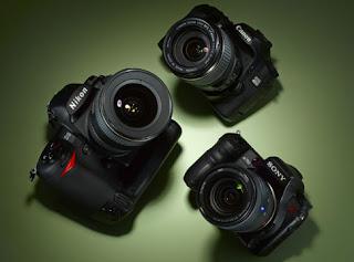 http://1.bp.blogspot.com/-CdidZ2INq_4/TyAA6aPj-2I/AAAAAAAAAMY/JXuI3uM44ck/s1600/kamera-dslr.jpg
