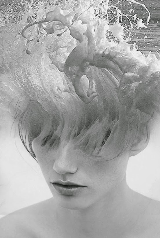 02-Aphrodite-Antonio-Mora-Black-&-White-Photography-www-designstack-co
