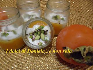 yogurt greco con cachi.