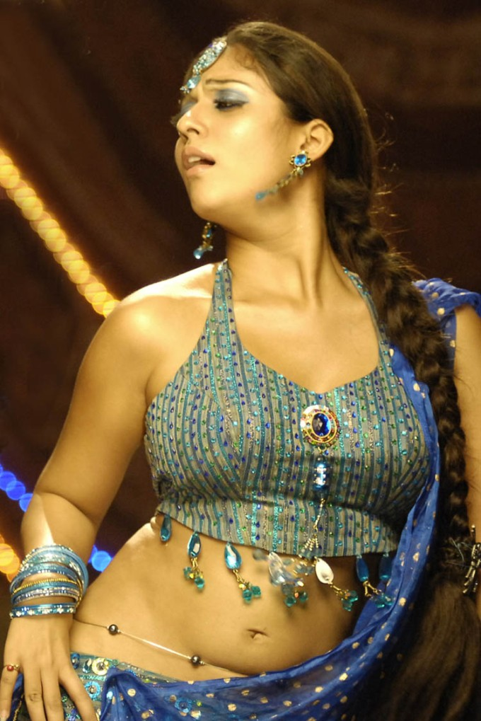 Actress Hot sexy Thoppul Photos