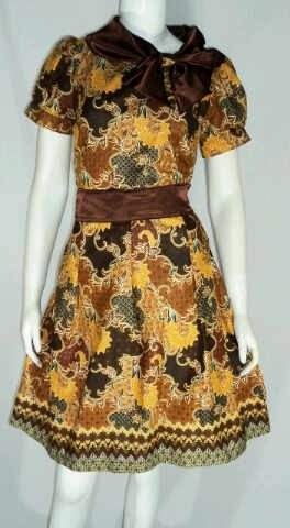 Home » Dress Batik Kombinasi Kebaya