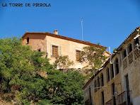 La Torre de Pierola amb la Barriada de la Rierada en primer terme
