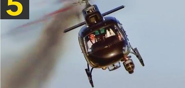 Ελικόπτερο έκανε αναγκαστική προσγείωση σε αυτοκινητόδρομο -  Βίντεο