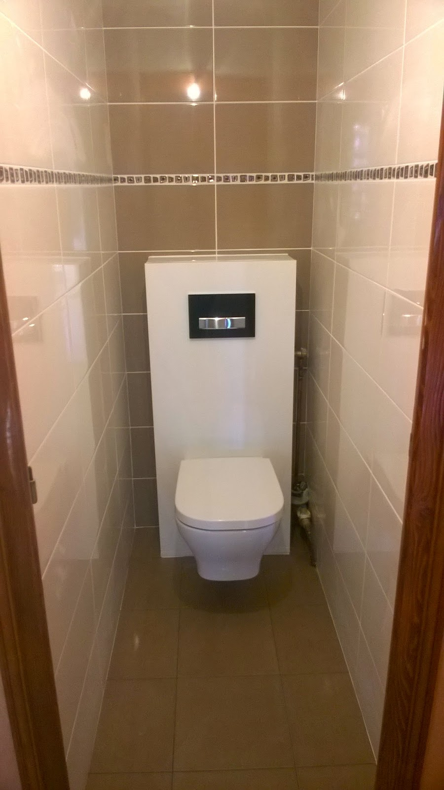 Faience salle de bain taupe for Carrelage toilette